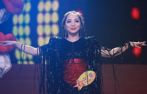 来自新疆的维吾尔族少女巴娜
